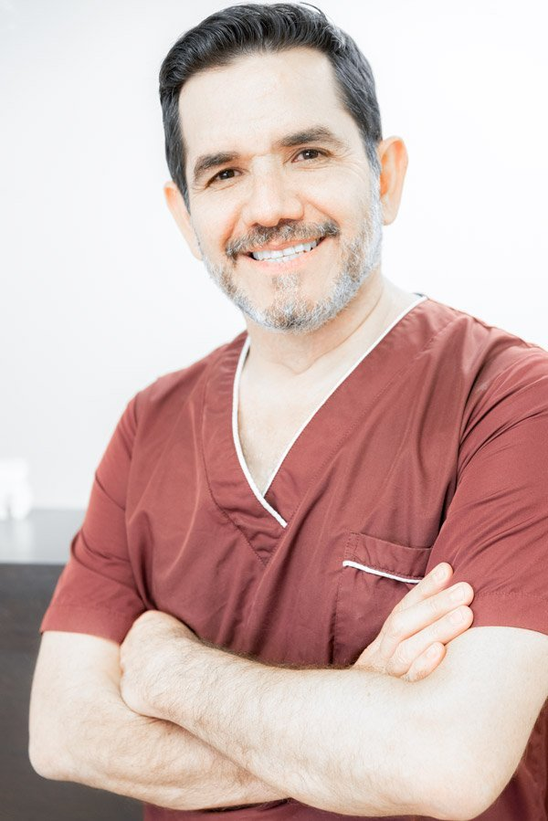dr-jose-moguel-dental-implants