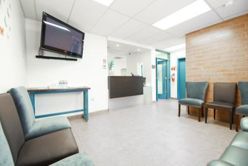 los algodones patient waiting room