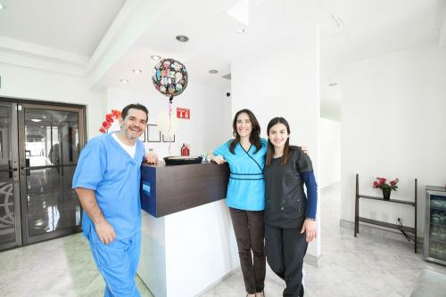 tijuana dental team