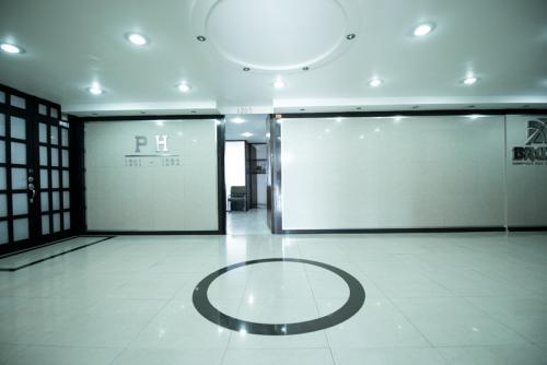 mexico-city-dental-clinic-entrance
